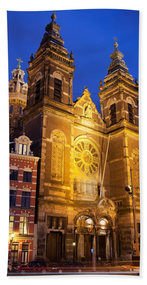 Amsterdam Hand Towel featuring the photograph Saint Nicholas Church At Night In Amsterdam by Artur Bogacki
