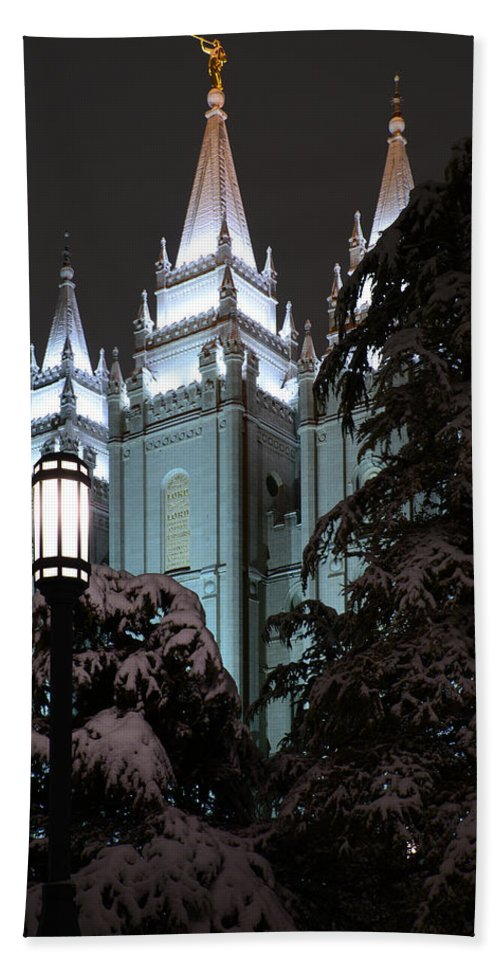 Mormon Hand Towel featuring the photograph Salt Lake Temple In The Snow by Dustin LeFevre