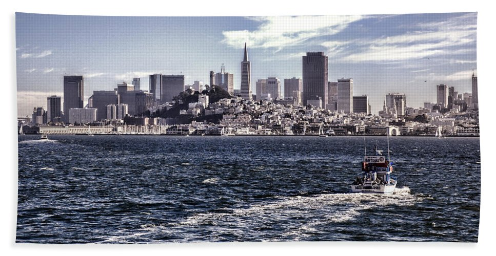 San Francisco Bath Sheet featuring the photograph San Francisco Skyline by Diana Powell