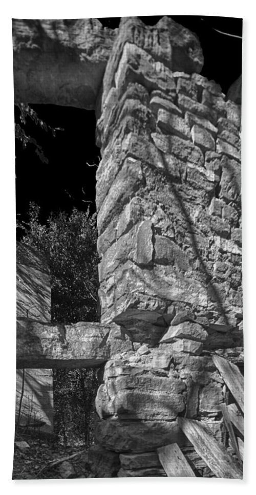 Abandoned Bath Sheet featuring the photograph Sandstone Arch Jerome Black And White by Scott Campbell