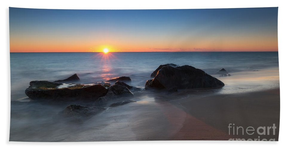 Sandy Hook Bath Sheet featuring the photograph Sandy Hook Sunburst by Michael Ver Sprill