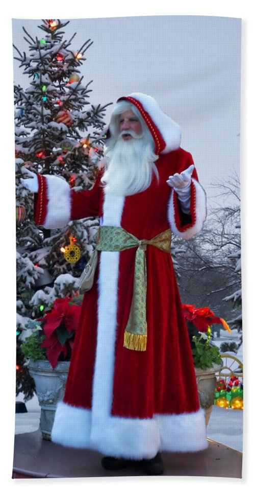 Santa Hand Towel featuring the photograph Santa Claus by Thomas Woolworth