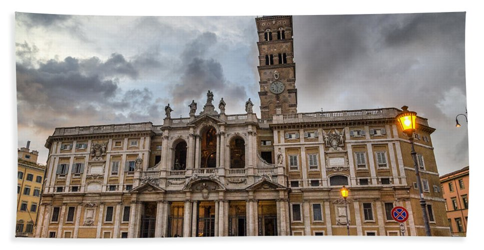 Santa Hand Towel featuring the photograph Santa Maria Maggiore by Pablo Lopez