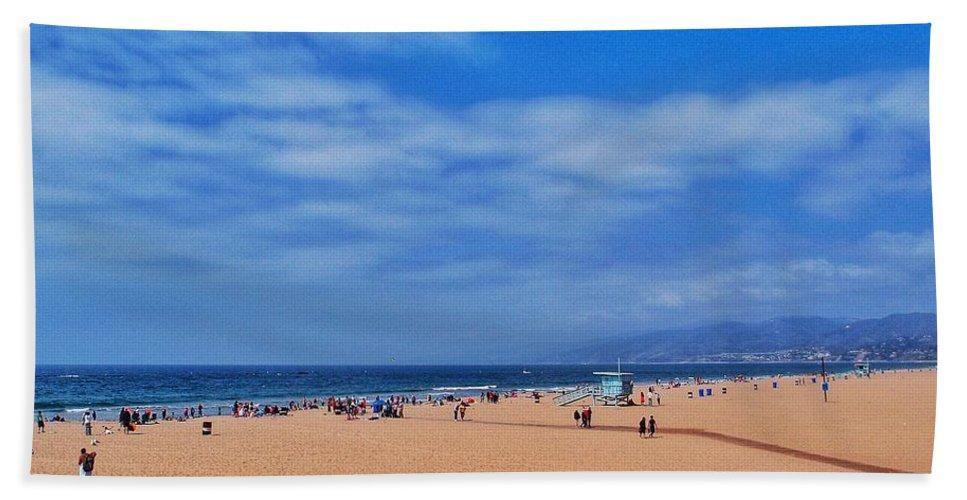 Santa Monica Beach Bath Sheet featuring the photograph Santa Monica Beach California by Eduardo Palazuelos Romo