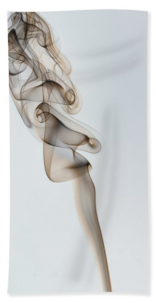 Smoke Hand Towel featuring the photograph Scatter Brain by Javier Barras