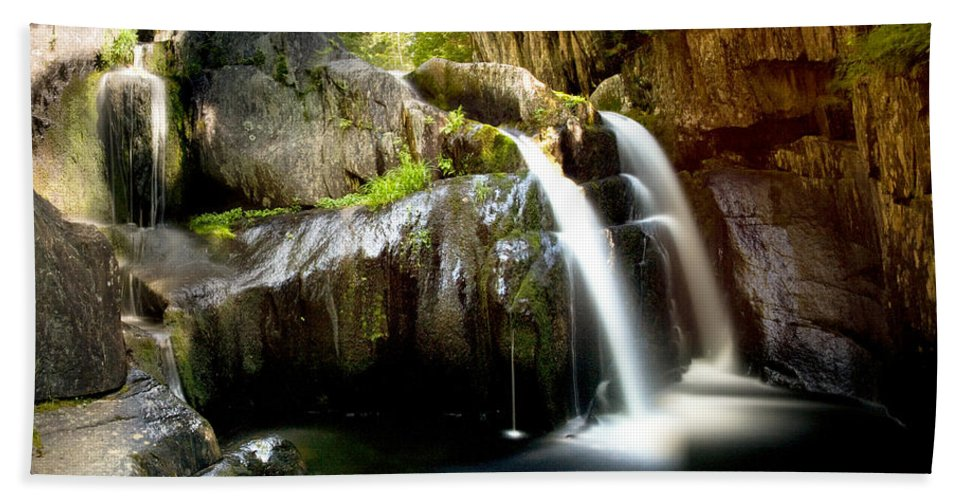 Screw Auger Hand Towel featuring the photograph Screw Auger Falls 5281 by Brent L Ander