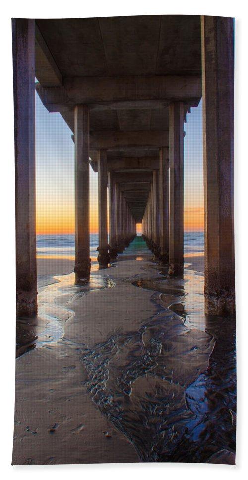 Pier Bath Sheet featuring the photograph Scripps Pier #1 by Lauri Novak