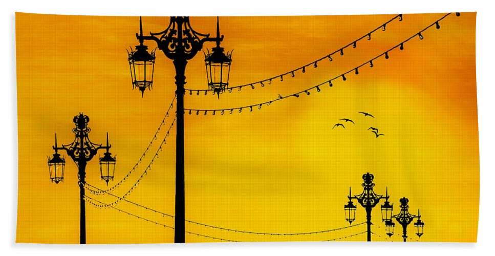 Brighton Hand Towel featuring the photograph Seafront Sunset by Chris Lord