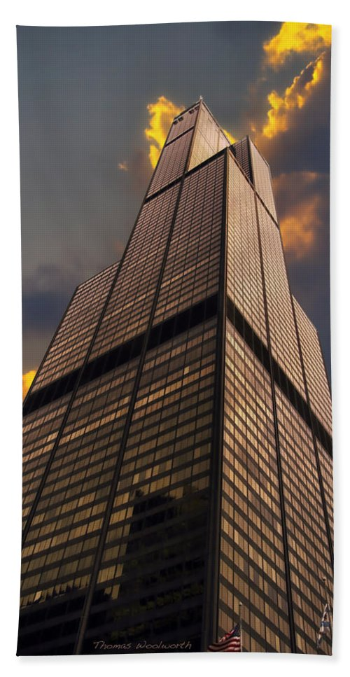 Cities Bath Sheet featuring the photograph Sears Willis Tower by Thomas Woolworth