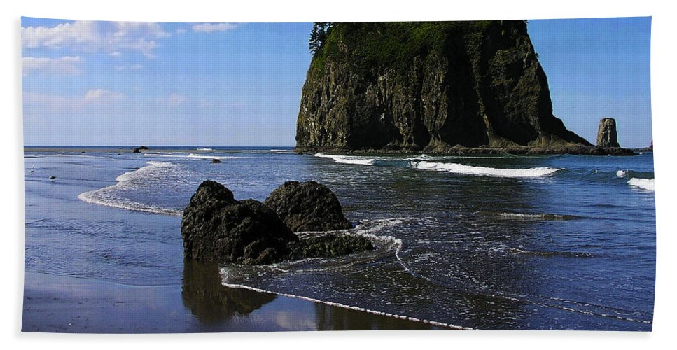 Seastack Hand Towel featuring the photograph Seastack by Ingrid Smith-Johnsen