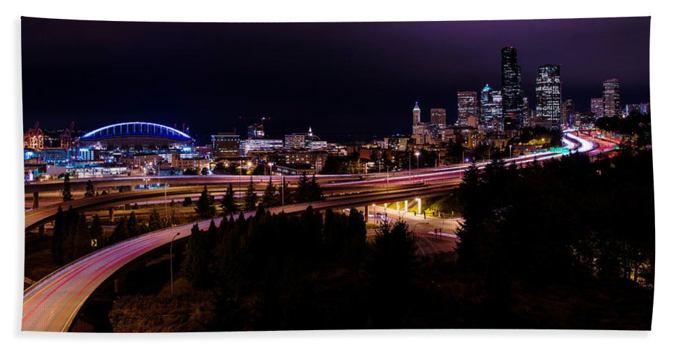 Seattle Bend Hand Towel featuring the photograph Seattle Bend by Chad Dutson