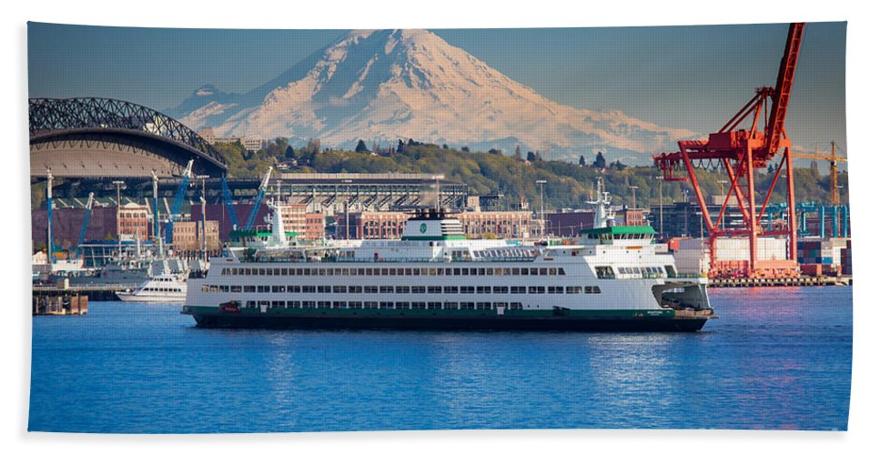 Seattle Hand Towel featuring the photograph Seattle Harbor by Inge Johnsson