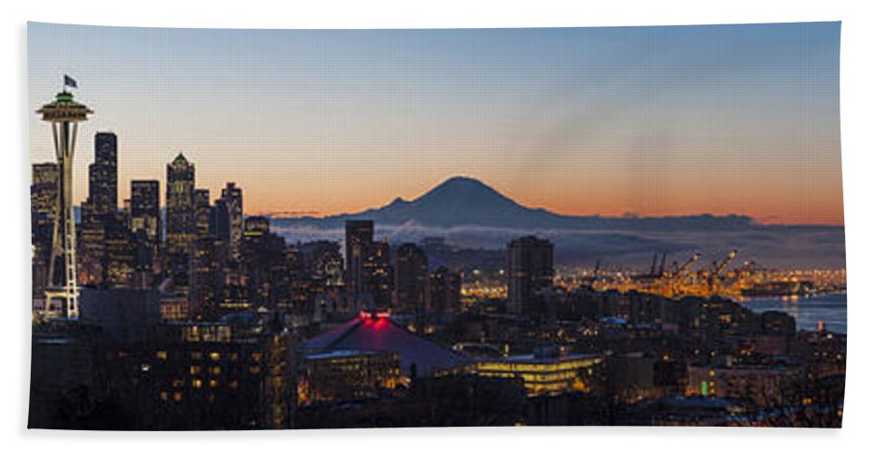 Seattle Hand Towel featuring the photograph Seattle Morning Glow by Mike Reid