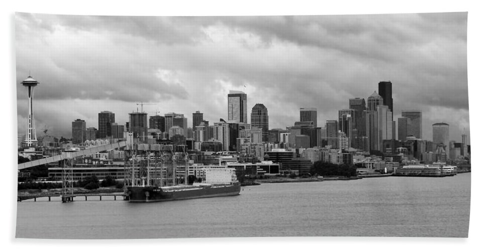 Architecture Hand Towel featuring the photograph Seattle Skyline by Glenn Aker