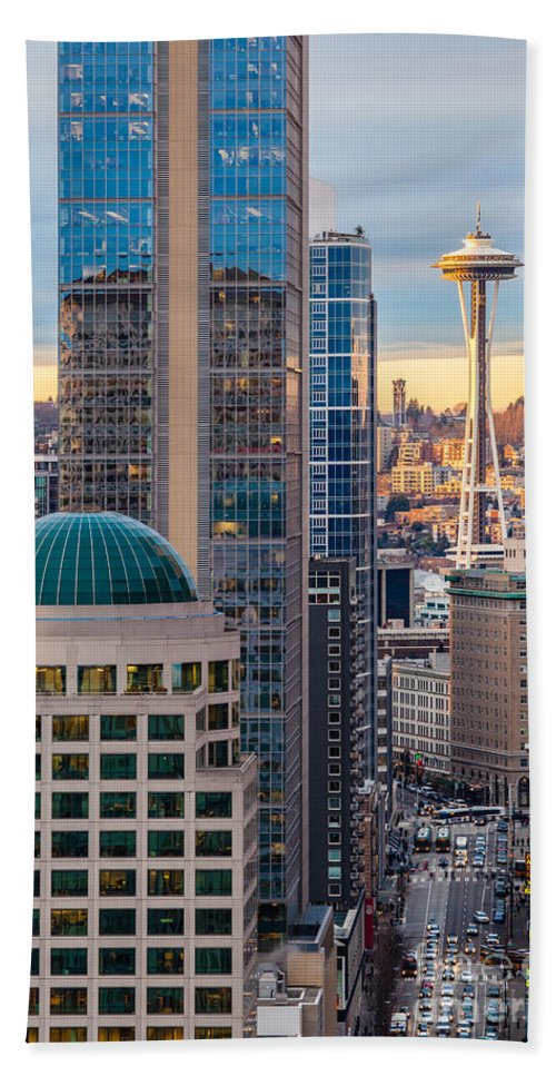 Elliott Bay Hand Towel featuring the photograph Seattle Space Needle Golden Sunset Light by Mike Reid