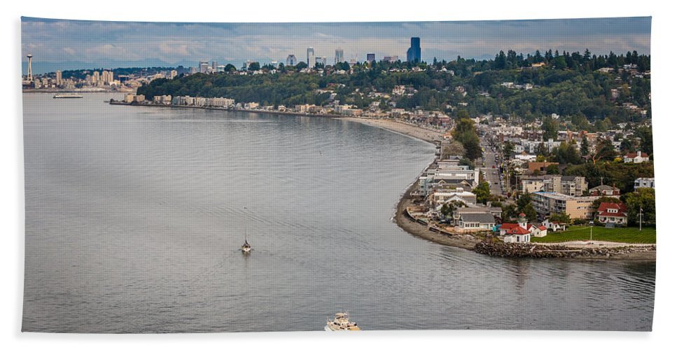 Seattle Hand Towel featuring the photograph Seattle Waterfront 3 by Mike Penney