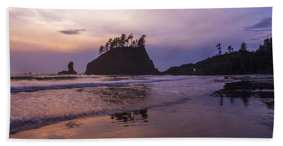 Washington Bath Sheet featuring the photograph Second Beach by Dustin LeFevre