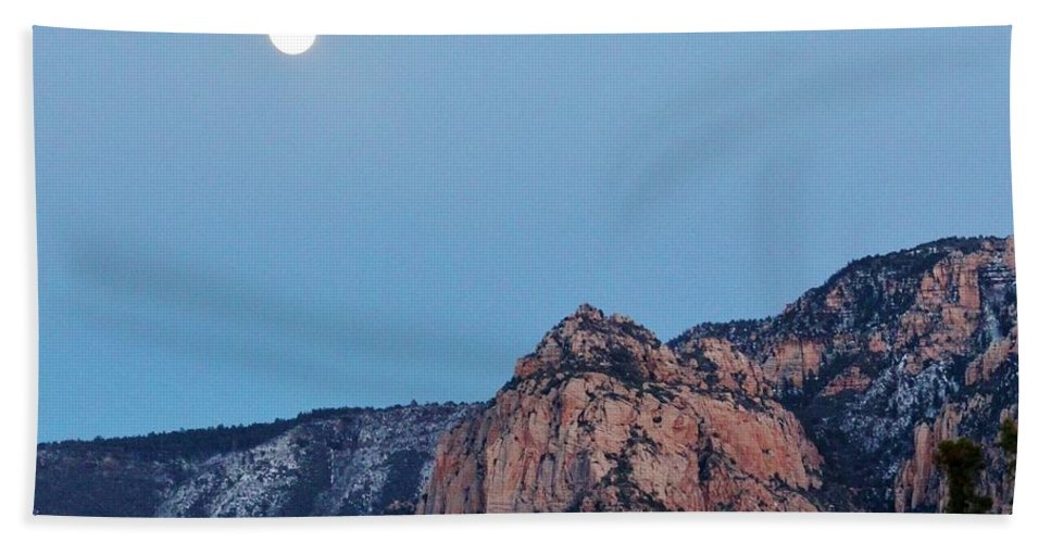 Nature Hand Towel featuring the photograph Sedona Moon 030415a by Edward Dobosh