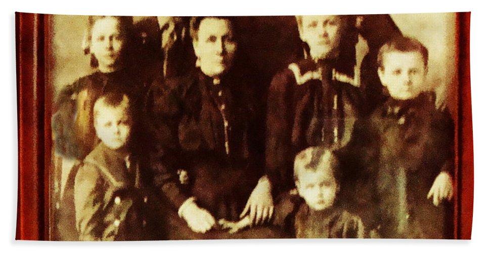 Family Portrait Bath Sheet featuring the photograph Seei Family Portrait Circa 1906 by Ellen Cannon