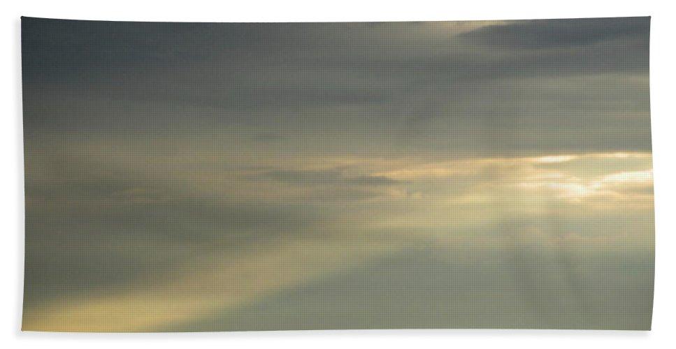 Natural Skyline Natural Skyscapes Natural Sky Sunlight September Sunbeam Sunrays Atmospheric Illumination Light Column Natural Lightscapes September Storm Light Stormy Skies Bath Sheet featuring the photograph September Sunbeam by Joshua Bales
