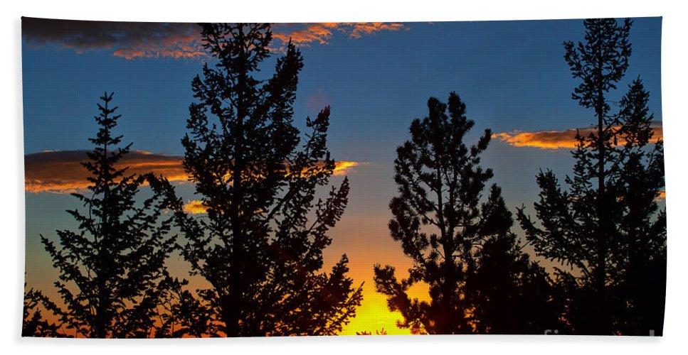 Sunsets/sunrises Bath Sheet featuring the photograph September Sunrise by Jim Garrison