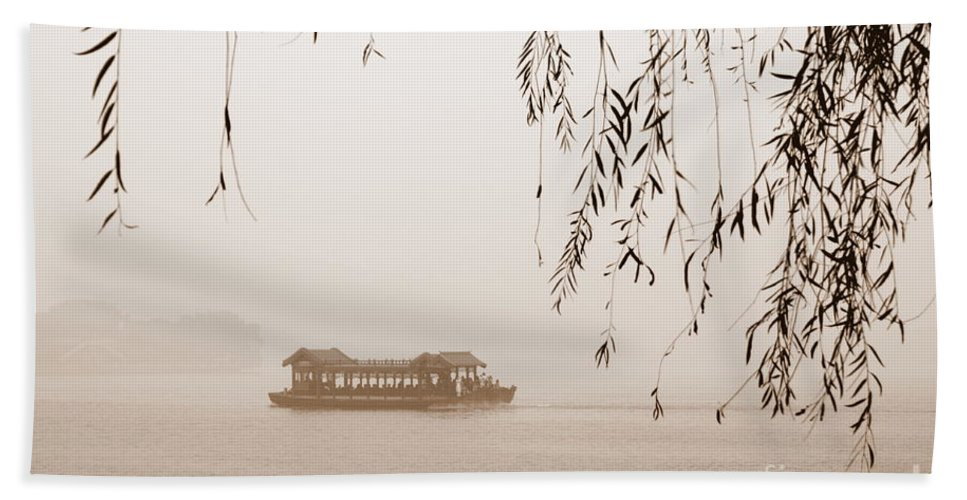 Sepia Hand Towel featuring the photograph Serenity In Sepia by Carol Groenen