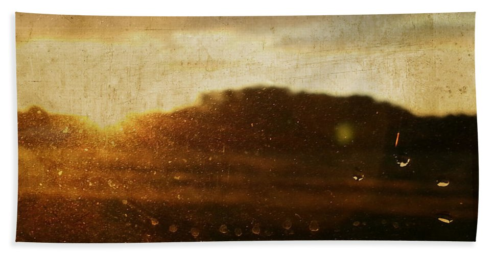 Wright Bath Sheet featuring the photograph Setting Sun Abstract by Paulette B Wright