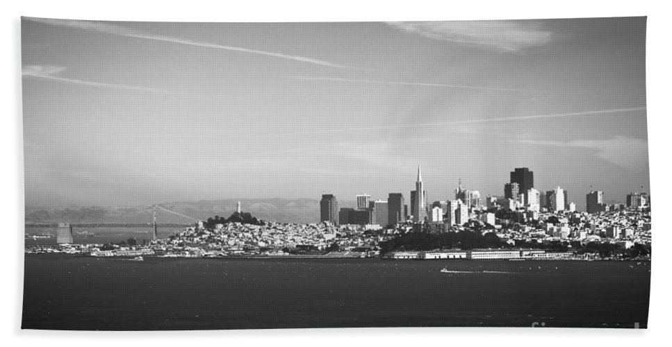 San Francisco Hand Towel featuring the photograph Sf Skyline by Beth Sanders