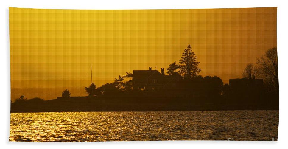 Sunset Bath Sheet featuring the photograph Shine Through by Joe Geraci