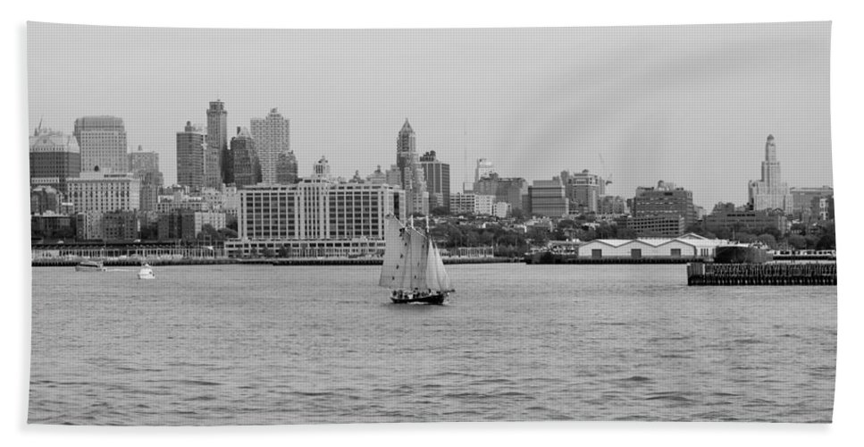New York Hand Towel featuring the photograph Ships And Boats In Black And White by Rob Hans
