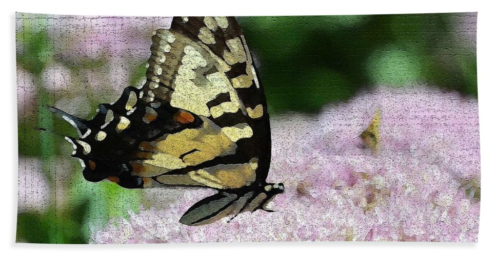 Butterfly Hand Towel featuring the photograph Side Line 2 by Judy Wolinsky