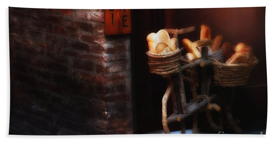 Siena Hand Towel featuring the photograph Siena Bakery by Mike Nellums