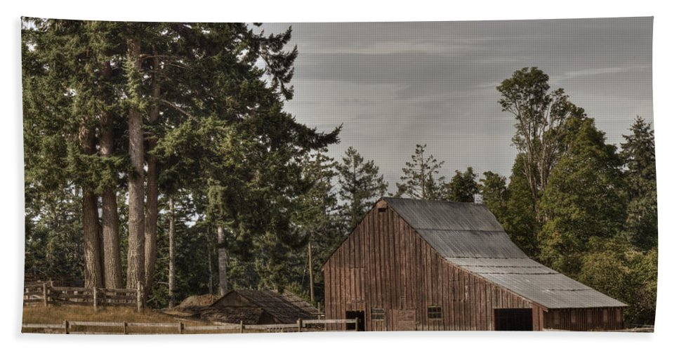Barn Hand Towel featuring the photograph Simpler Times 2 by Randy Hall