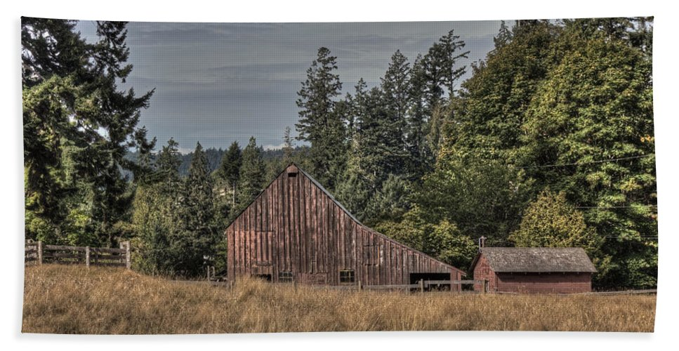 Barn Hand Towel featuring the photograph Simpler Times by Randy Hall