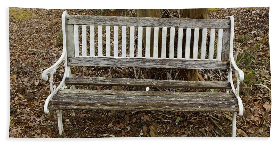 Bench Hand Towel featuring the photograph Sit A Spell by Darrell Clakley