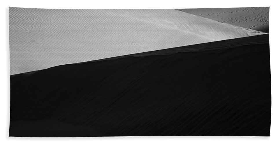 Abstract Bath Sheet featuring the photograph Skn 0919 Shadows And Highlights by Sunil Kapadia