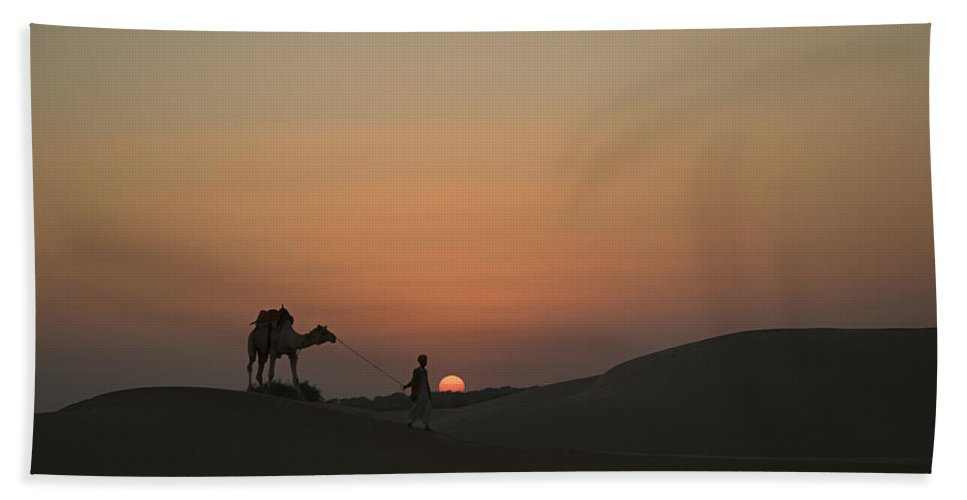 Returning Bath Sheet featuring the photograph Skn 1505 Returning Home by Sunil Kapadia