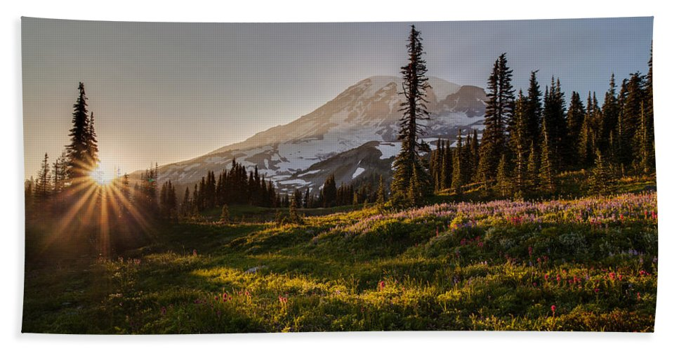 Rainier Hand Towel featuring the photograph Skyline Meadows Sunstar by Mike Reid