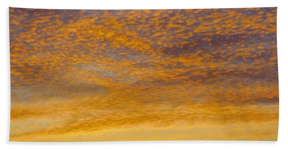 Rocky Gold Bath Sheet featuring the photograph Skyscape - Rocky Gold by Robert Floyd