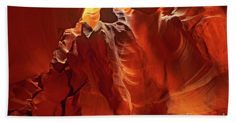 North America Bath Sheet featuring the photograph Slot Canyon Formations In Upper Antelope Canyon Arizona by Dave Welling