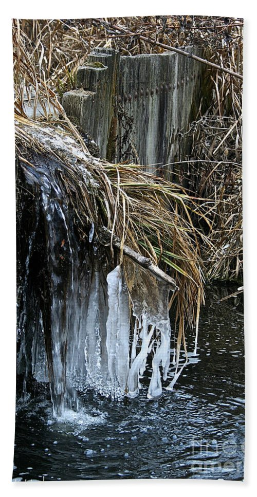 Outdoors Bath Sheet featuring the photograph Slow Flow by Susan Herber