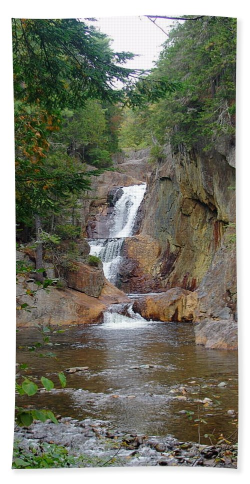 Small Falls Hand Towel featuring the photograph Small Falls by Eric Swan