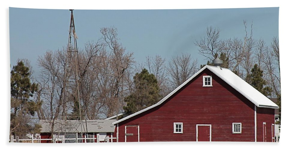 Old Barn Hand Towel featuring the photograph Small Red Barn With Windmill by Wayne Williams