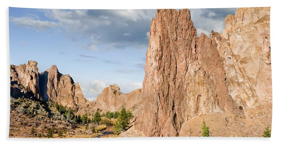 Autumn Bath Sheet featuring the photograph Smith Rock And The Crooked River by Jeff Goulden
