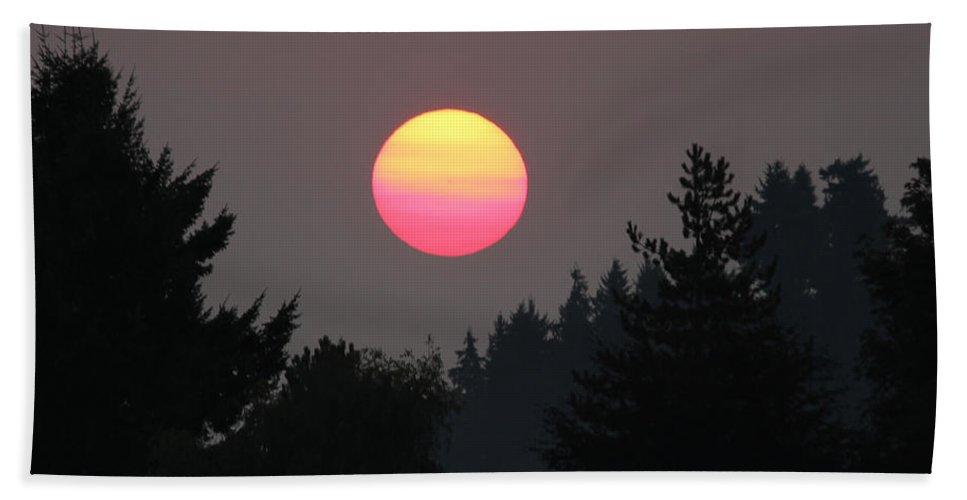 Port Orchard Washington Hand Towel featuring the photograph Smokey Sunrise by E Faithe Lester