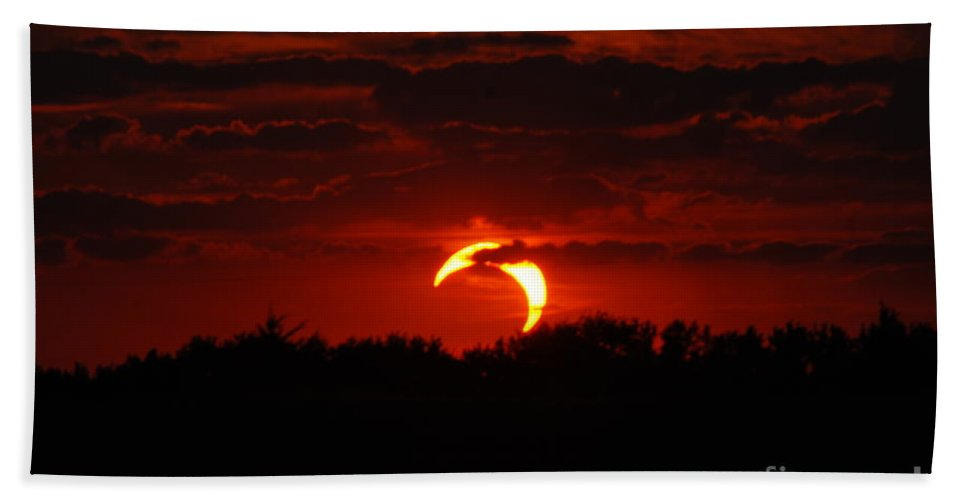 Eclipse Bath Sheet featuring the photograph Smokin Moon by Mark McReynolds
