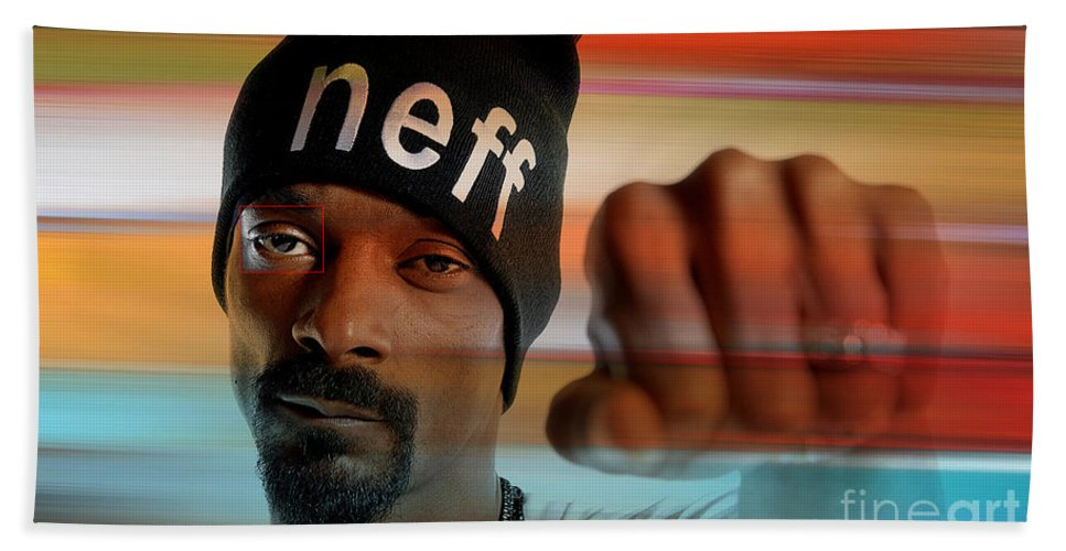 Snoop Lion Hand Towel featuring the digital art Snoop Lion by Marvin Blaine
