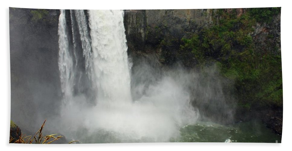 Snoqualmie Falls Bath Sheet featuring the photograph Snoqualmie Falls by Carol Groenen