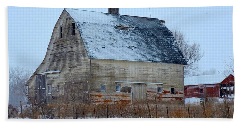 Old Hand Towel featuring the photograph Snowy Barn by Gary Mosman