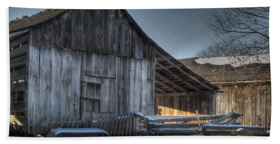 Barn Hand Towel featuring the photograph Snowy Barn by Jane Linders
